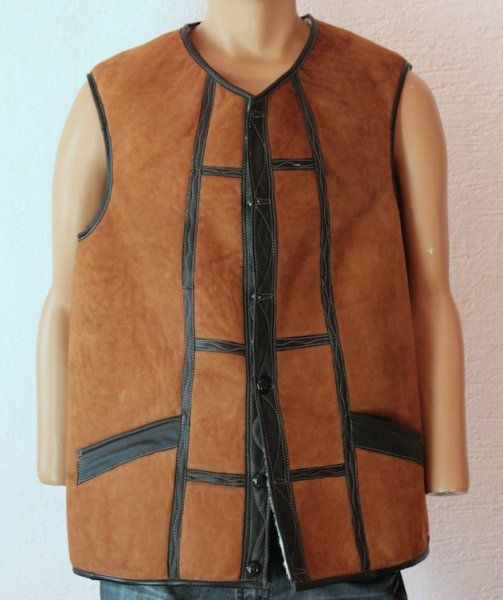 Men's vest with buttons